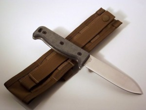 Ontario Knife Company Blackbird SK-5 Wilderness Survival Knife 01